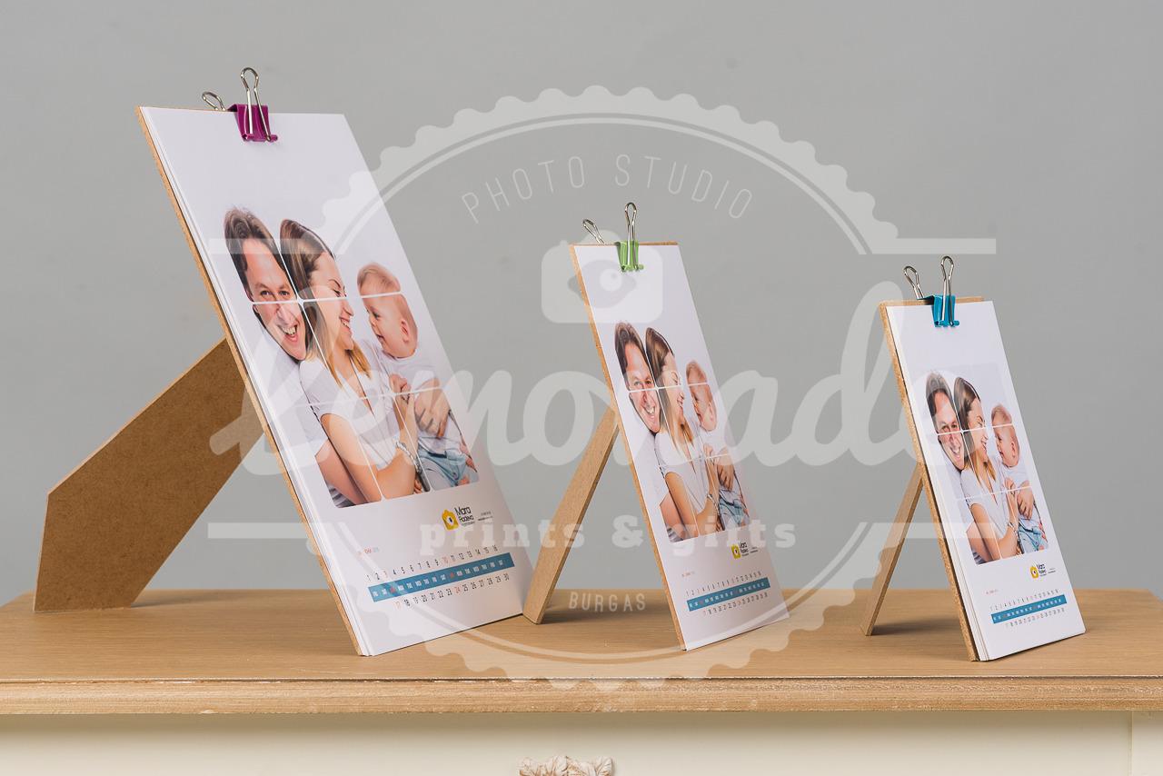 12 листов календар с дървен гръб А4