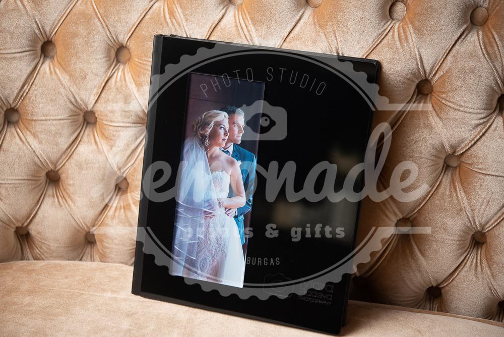 Луксозна сватбена фотокнига  с плексигласова корица